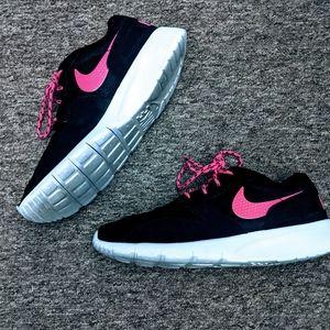 Nike Girls Kaishi Sneakers EUC